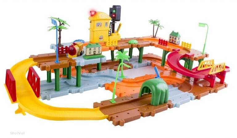 WolVol Battery Operated Big Trains Track Set